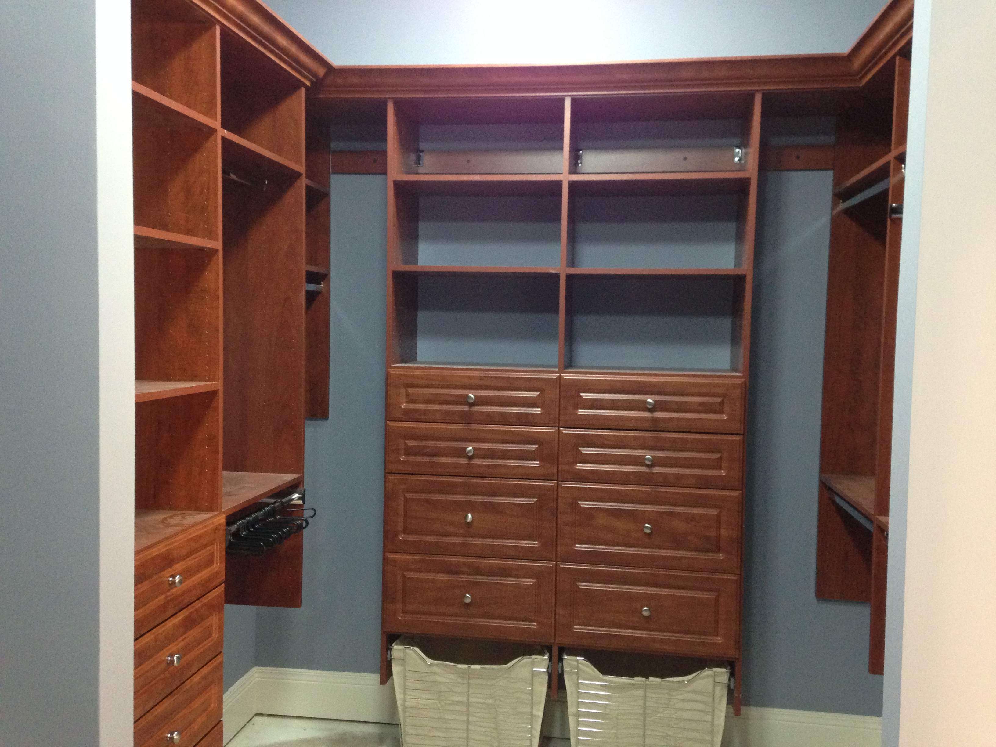 Factors to Consider In Customized Closet Design